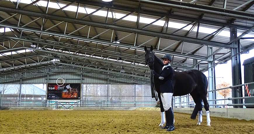 Horse Arena jokey black performance sports steel hall